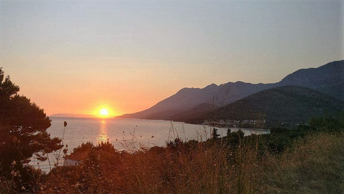 Le soleil se couche tot en croatie