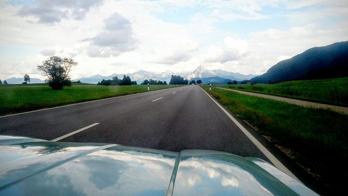 Sur la route toute la sainte journée