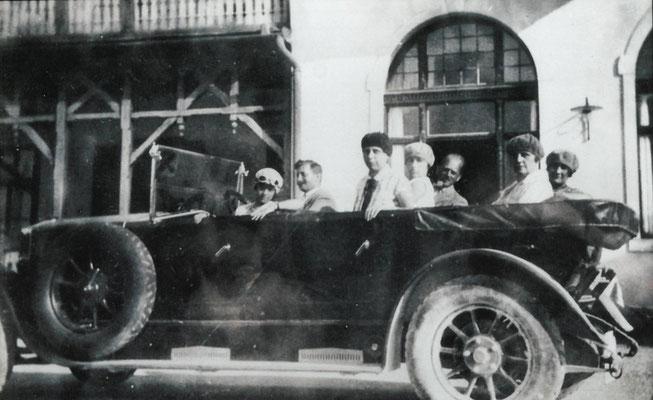 Autobus mit offenem Dach 1930/31
