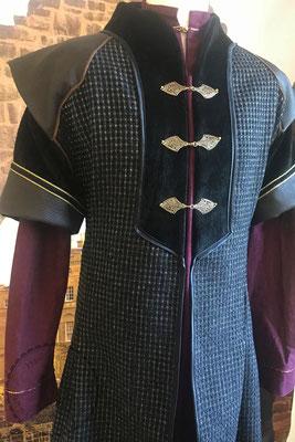 Bankett Robe mittelalterliche Gewandung Hochmittelalter Prunkrock Waffenrock