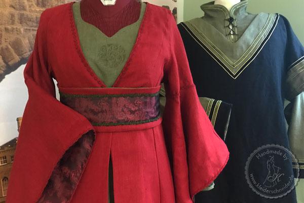 Mittelalterkleid Mittealtergewand  Hochzeit Gewandungen Prunkrock Waffenrock Hochzeitkleid