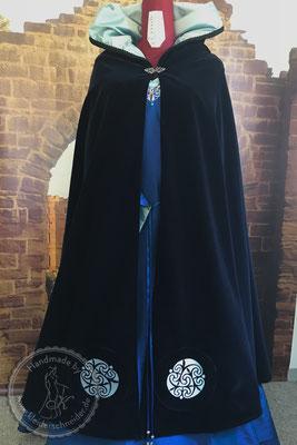 Edeldame Brautkleid Mittelaltergewand Adelsgewand mit Tasselmantel keltische Knoten Stickerei