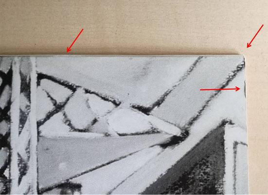 Stoßstelle am Einschub oben rechts, obere Kante mit geringer Abschürfung, Ecke etwas abgerieben