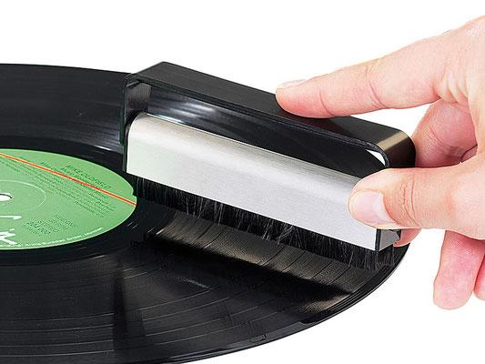 Plattenbürste zur Reduzierung der statischen Aufladung und Abbürsten von Schmutzpartikeln