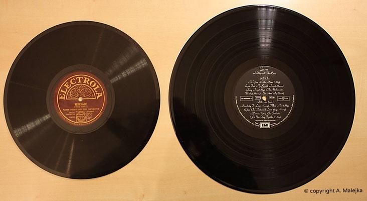 Größenunterschiede der Schallplattenformate (links Schelllackplatte 10 Zoll) und rechts die moderne Vinyl-LP (12 Zoll)