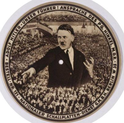 Die wohl erste abspielbare Picture Disk (Bildschallplatte) aus dem Jahr 1933 mit Ansprachen von Adolf Hitler
