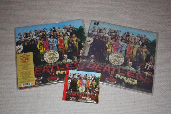 Die drei Alben (links die 2017ner Version, rechts das Album aus 1975 und vorne in der Mitte die CD