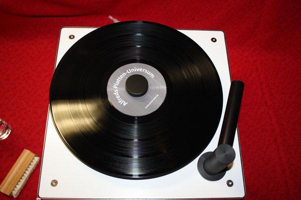 Die komplette gereinigte und trocken gesaugte Schallplatte