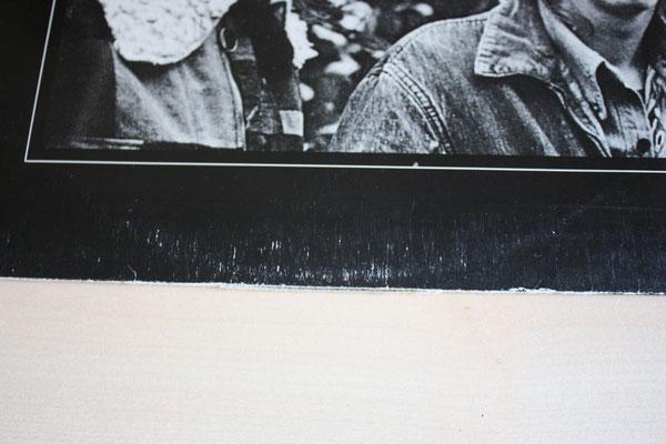 Ring Wear und ein Durchstoß an der unter Kante sind hier sichtbar. Das Foto habe ich während der Beseitigung der Ringwear gemacht, denn man sieht das die rechte Hälfte der Ringwear schon etwas matter ist.