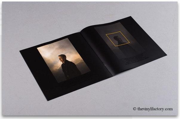 Booklet mit 8 Blätter, hier S. 12 & 13