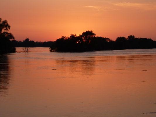 Abendstimmung bei Hochwasser