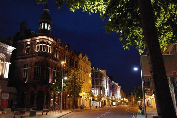 Belfast bei Nacht