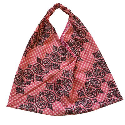 Fachgeschäft Wädenswil mit indischen Holzstempel, handbedruckte Accessoires , Origami Einkaufstaschen, Halstücher Blockprint, Postkarten handbedruckt