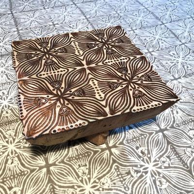 Block Print Stoff Design SARA  - 100% Cambric Baumwolle - handbedruckt in Indien mit Holz Modeln - Stempeldruck