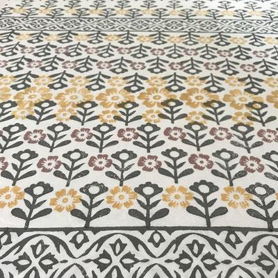 Block Print Stoffe bedruckt in der Schweiz mit indischen Holzstempel