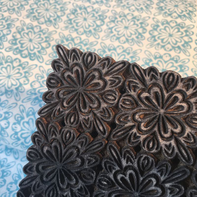 Block Print Stoff Design JANA  - 100% Cambric Baumwolle - handbedruckt in Indien mit Holz Modeln - Stempeldruck