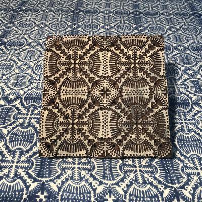 Block Print Stoff Design ANJOU  - 100% Cambric Baumwolle - handbedruckt in Indien mit Holz Modeln - Stempeldruck