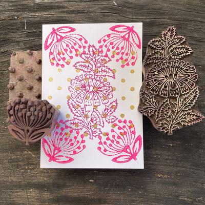 Mit indischen Holzstempel bedruckte Postkarten. Handbedruckt in der Schweiz