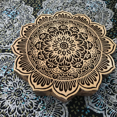 Upcycling Stoffe weiterverarbeiten mit Holzstempekdruck
