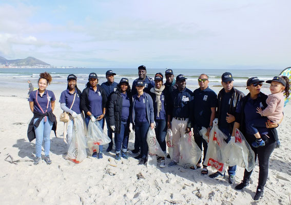 Course participants at Milnerton for the International Beach Clean Up Day on the 15th September