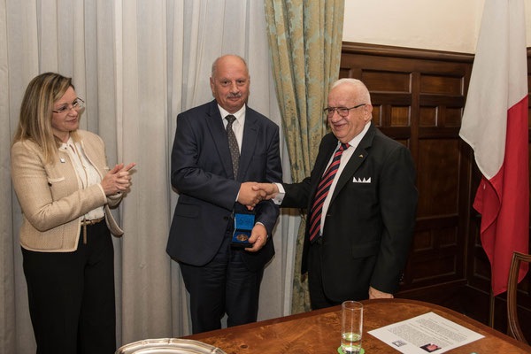 Award of the EMB Medal to Professor Alfred J Vella; from L-R: Antonella Vassallo, Alfred J Vella and Awni Behnam