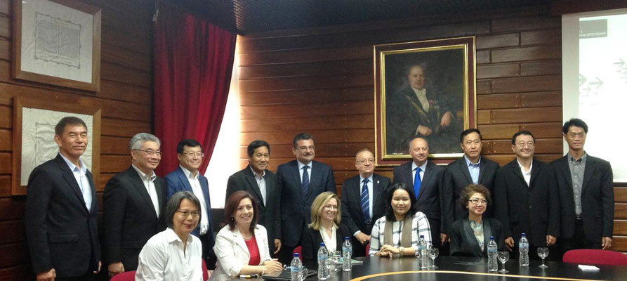 The PTT delegation; officials from the University of Malta and IOI; PTT sponsored MAOG student Ratchanok Towong