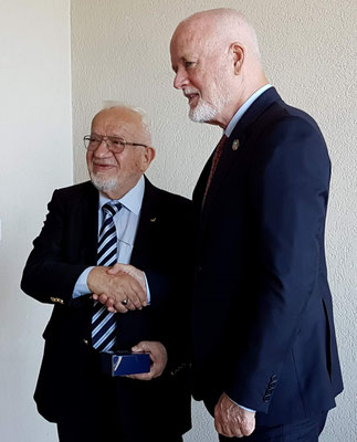 L-R: Awni Behnam and Peter Thomson (UN Special Envoy for the Ocean). Photo credit: A. Jaleel