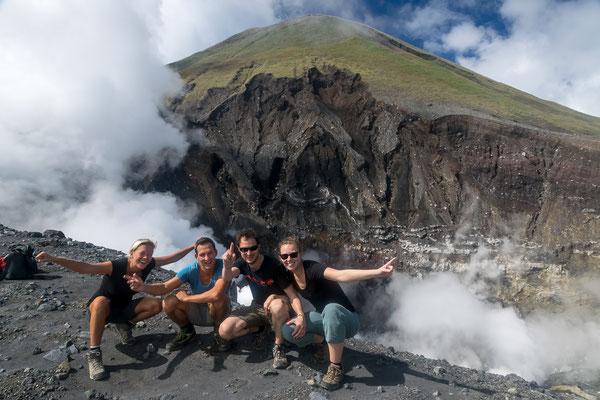 Vulkan Lokon mit Tina und Steffen