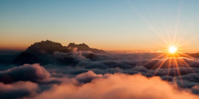 Blick vom Speer bei Morgendämmerung, St. Gallen Schweiz