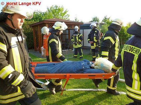 Übergabe 1 von 3 verletzten Personen