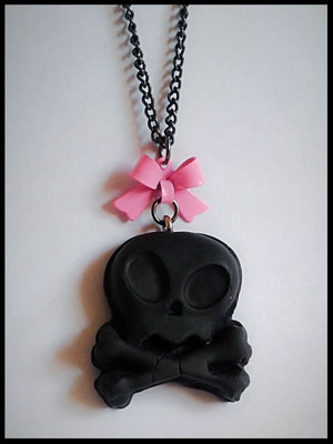 Black Alien Skull Necklace