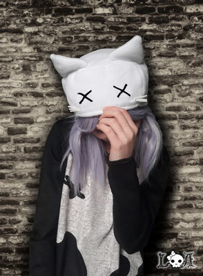Creepy Cute Kitty Hat in White