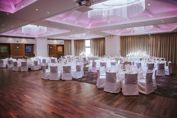 Tolles Ambiente - neuer Saal für viele Gäste