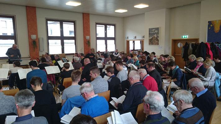 Ankunft der Gäste und gemeinsame Probe, Foto: Kirchenchor Meggen