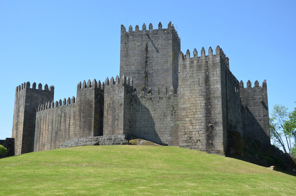 Guimares Castle, Portugal © European Best Destinations