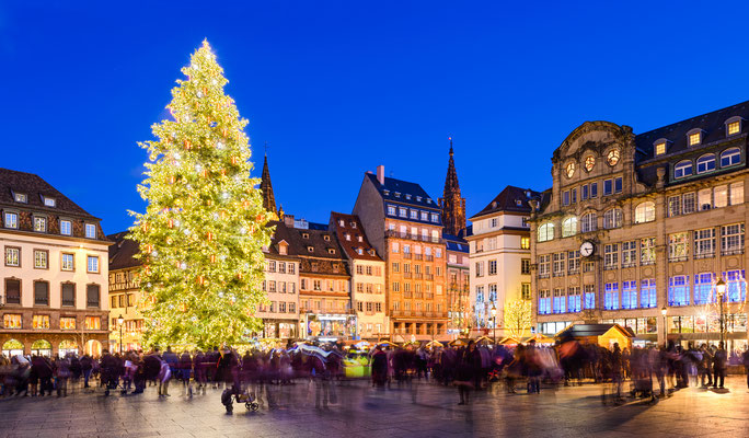 Christmas market in Strasbourg, France at night Copyright Mapics
