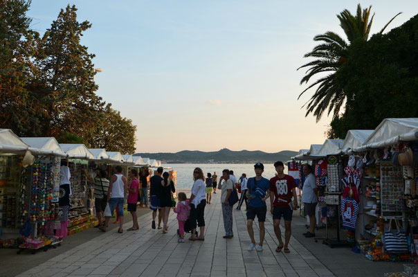 Night market in Zadar - Copyright Matthieu Cadiou / European Best Destinations