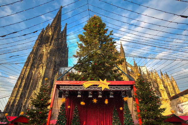 Christmas market in Cologne Germany - By Peter Wollinga