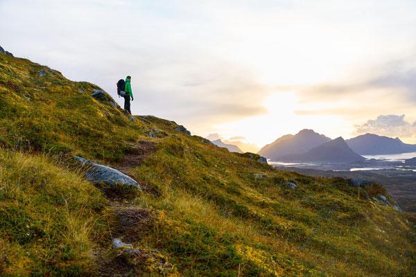 Lofoten hiking copyright Julian Dewert