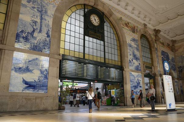 Sao Bento Train Station Porto © European Best Destinations