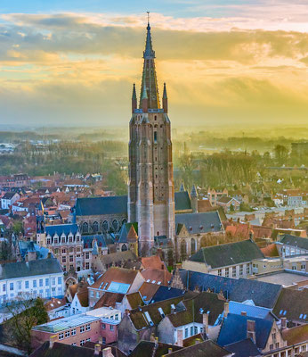 Bruges - European Best Destinations - Our lady of Bruges - Copyright SenSeHi