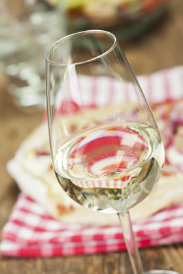 white wine and french flammkuechen Copyright  Bernd Juergens
