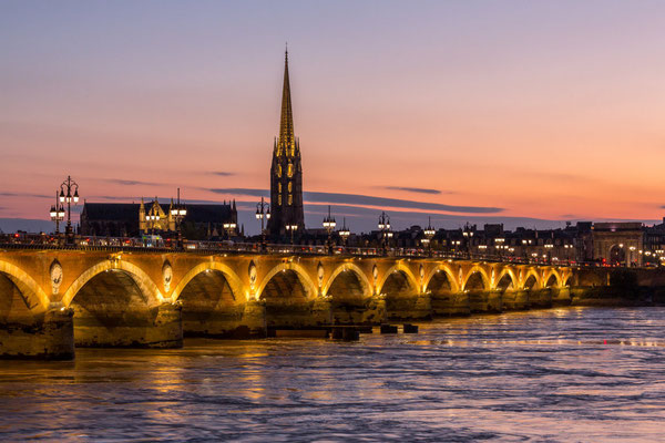 Bordeaux - Crédit Steve Le Clech - pont de pierre - European Best Destinations