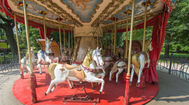 Wroclaw Carousel - Copyright Visit Wroclaw - European Best Destinations
