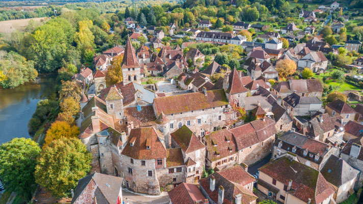 Dordogne Medieval town copyright  Jon Chica