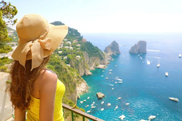 Capri traveller cliffs copyright  Zigres