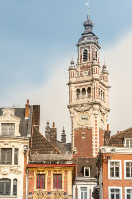 Belfry of Lille with Flanders style buildings, Nord, France - Copyright HUANG Zheng
