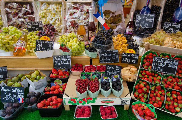 Paris Marché copyright Shutterstock Editorial lembi