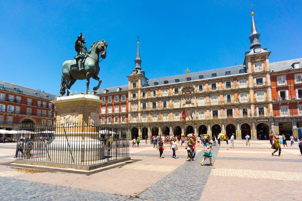 Plaza Mayor, Mardid by Anton Gvozdikov