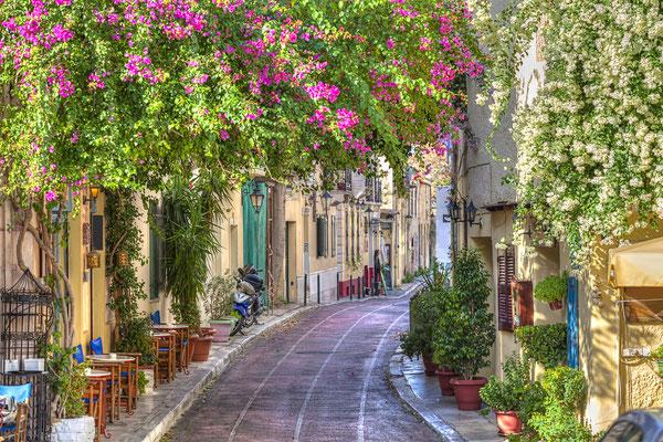 Athens street © Copyright Anastasios71 / shutterstock.com